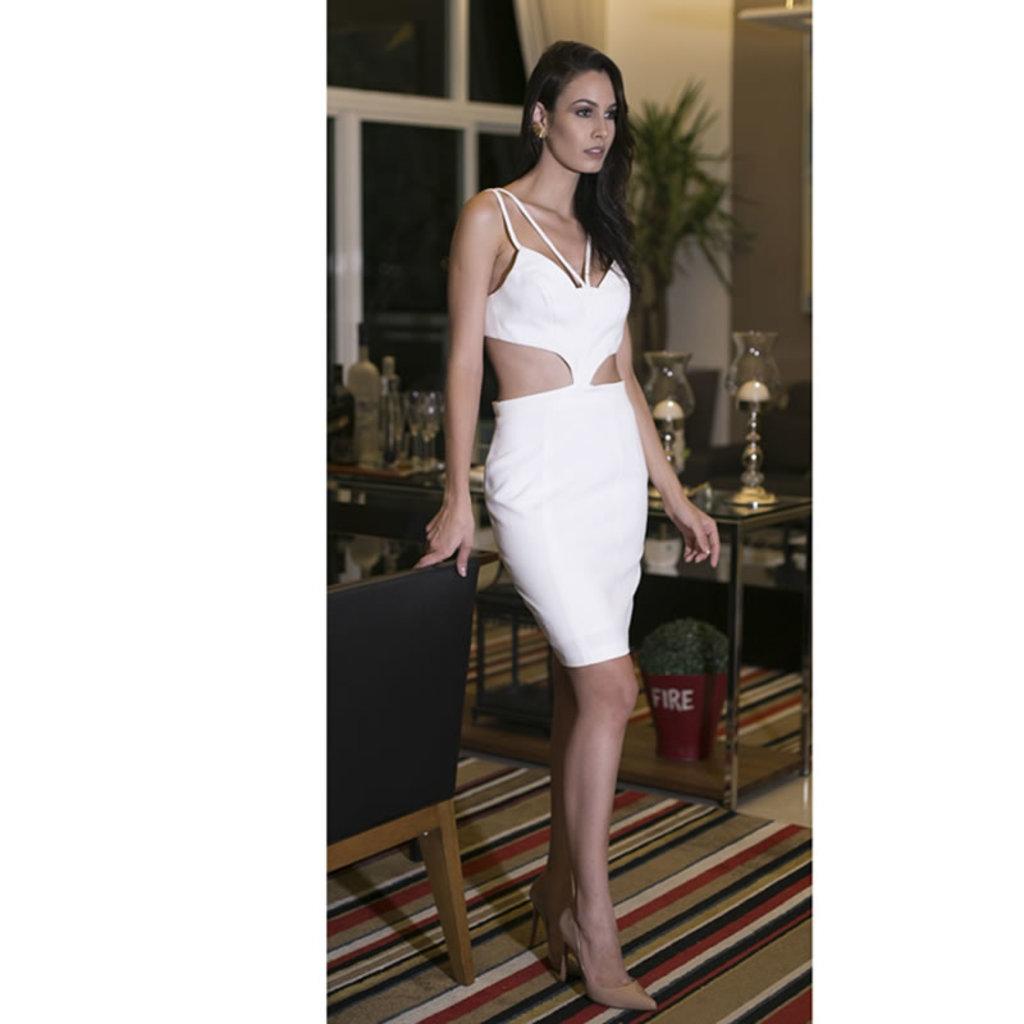 Vestido Midi Decote Off White Skazi