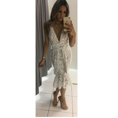 Vestido Midi Renda com Amarração Branco Esmeral