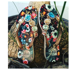 Chinelo Feminino Floral com Pedras Multicolor Indaiá