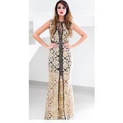 Vestido Longo Bordado com Fenda Dourado Anne Fernandes