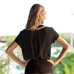 Camisa com Detalhe Babado Preto Lovility